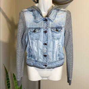 American Eagle Hooded Jean Jacket Size Medium